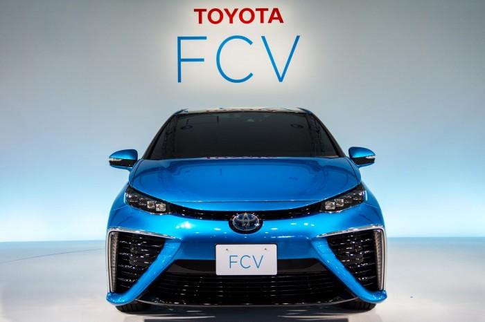 Toyota Reveals FCV Exterior