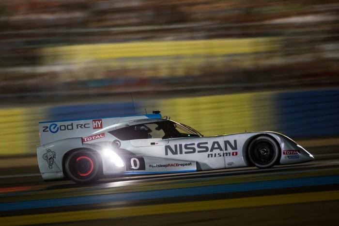 Nissan ZEOD Hits 300km/h on Mulsanne Straight