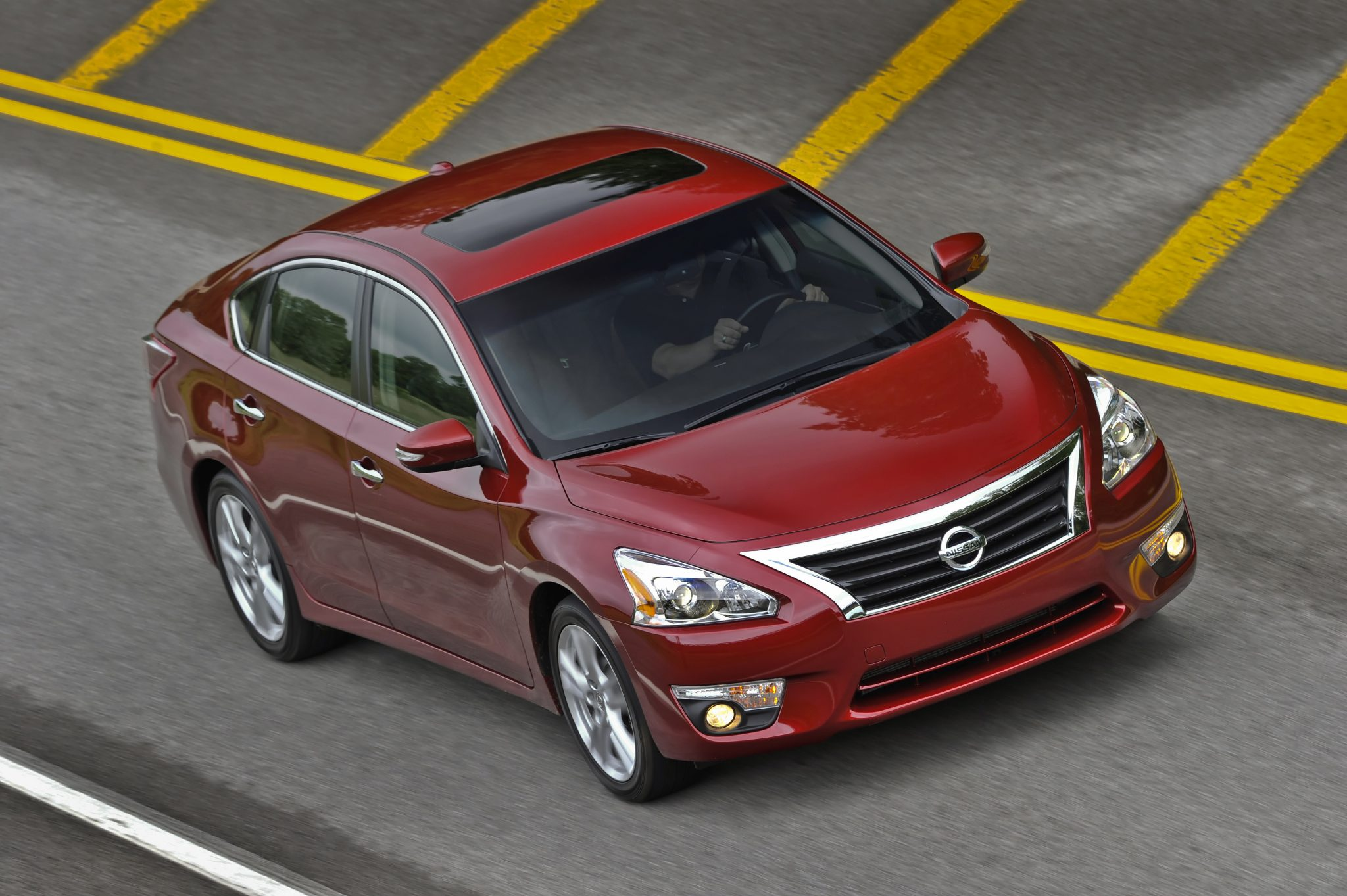 2014 Nissan Altima wins Best Retained Value