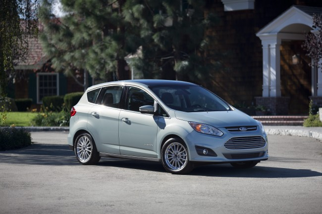 2014 C-MAX Hybrid Named IIHS Top Safety Pick