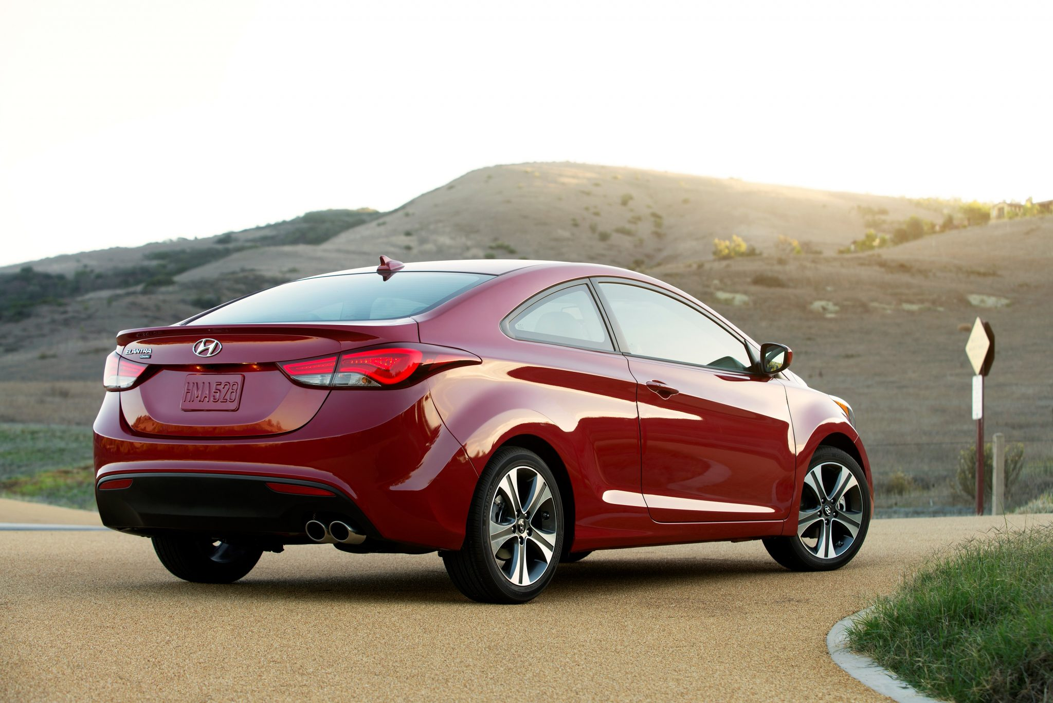Difference Between Coupe And Sedan >> 2015 Hyundai Elantra Configurator Reveals No Coupe Option ...
