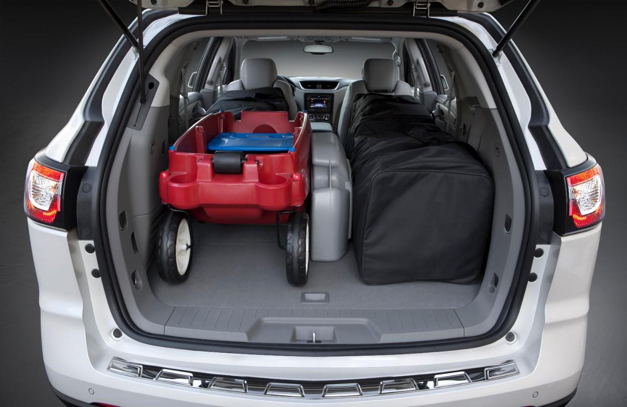 2015-Chevrolet-Traverse-LTZ-Trunk-Storage-Room-Open