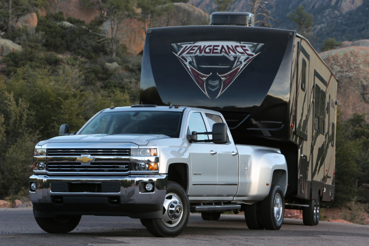 2015 Chevy Silverado 3500 Overview - The News Wheel