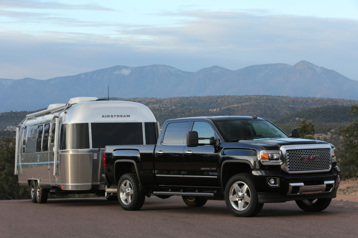 2015 gmc sierra 3500 hd wins ultimate heavy duty challenge the news wheel. Black Bedroom Furniture Sets. Home Design Ideas