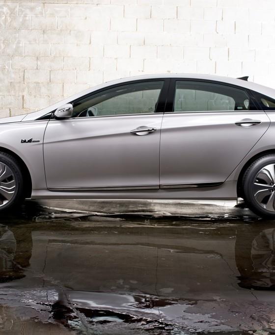 Hyundai Hybrid Sonata: Hyundai Prius-Like Hybrid Poised To Overtake Toyota