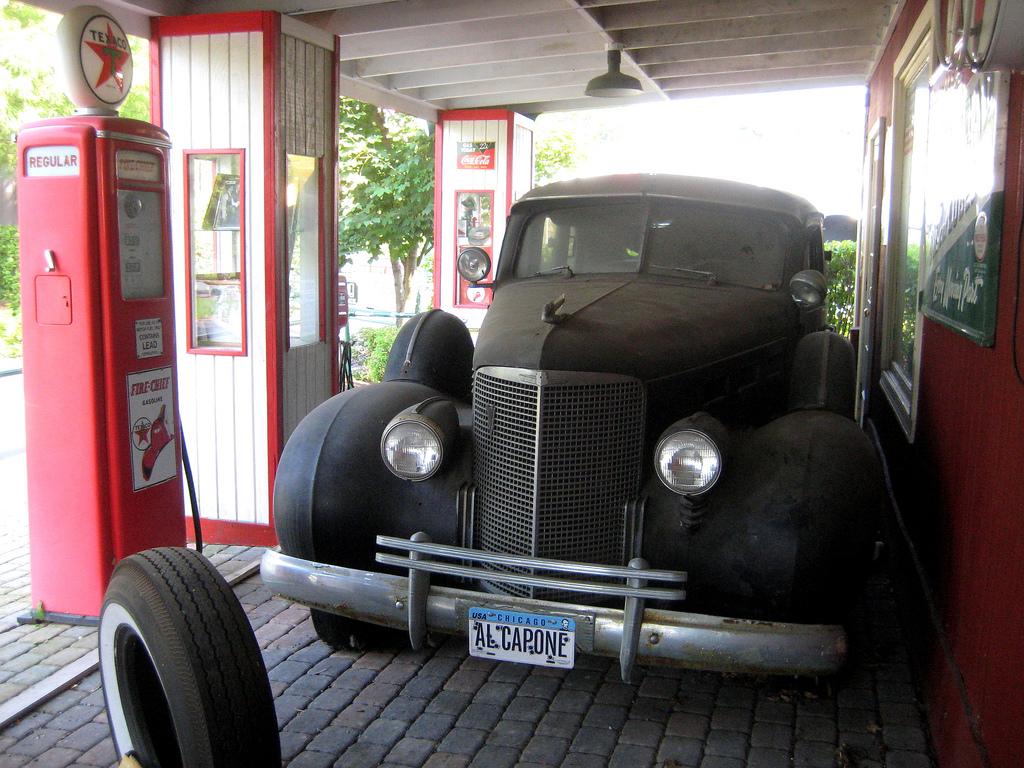 "The First Car Ever Made >> Al Capone's Car: A ""Killer"" Cadillac - The News Wheel"