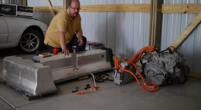 how does a chevy volt powertrain work?