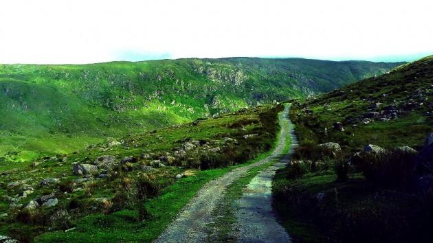 Driving in Ireland rural road Bill Liao