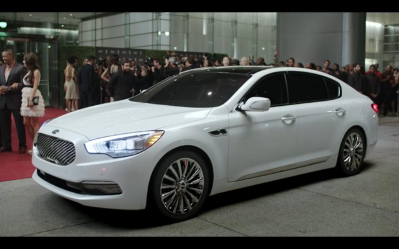 Watch LeBron James' Kia K900 Commercial | The News Wheel