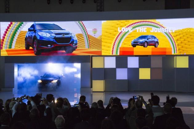 The 2016 Honda HR-V debuts amid a cloud of smoke, and love, and rainbows