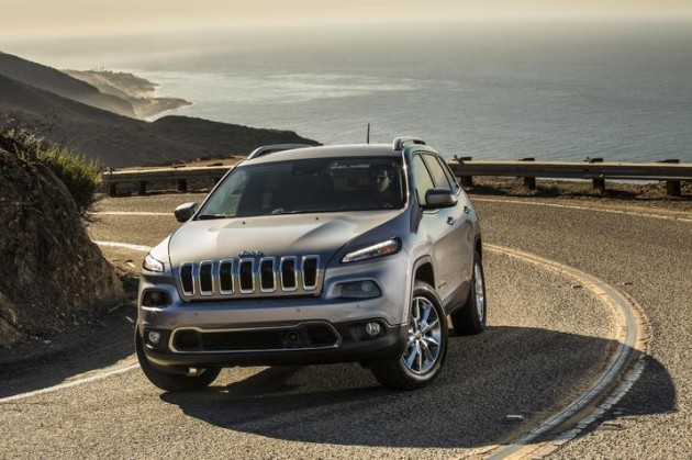 2015 Jeep Cherokee | Dodge, Jeep, and Ram Pull in Six 2015 Edmunds Most Popular Awards