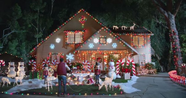 Christmas Vacation House Lights.Hyundai Holidays Ad Rips Off Classic Christmas Vacation