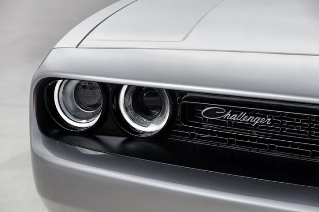 2015 Dodge Challenger 392 HEMI Scat Pack Shaker | FCA's April Sales Continue Trend of Increases