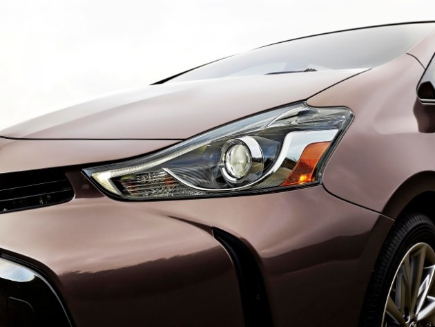 2015 Toyota Prius v Overview