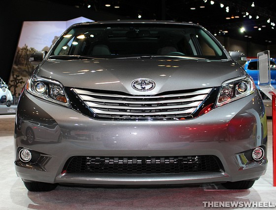 it s snow joke the toyota sienna is your new winter ride the news wheel. Black Bedroom Furniture Sets. Home Design Ideas