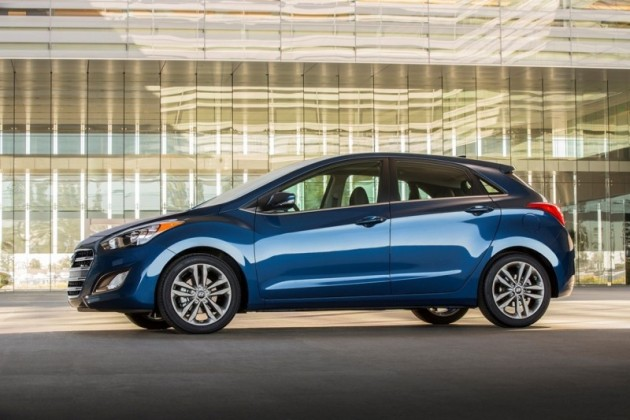 2016 Hyundai Elantra GT Overview blue Side