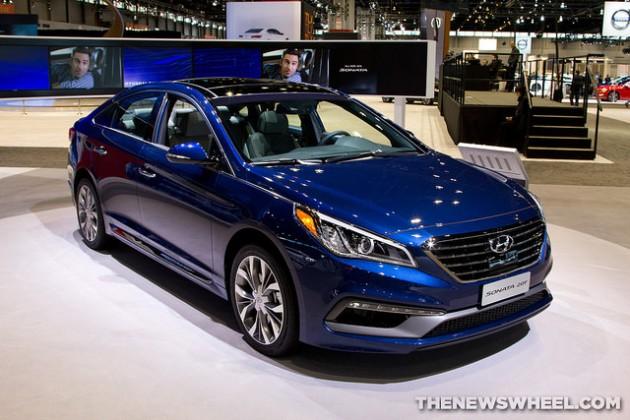 2015 Hyundai Sonata at Chicago Auto Show blue front