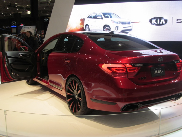 Kia K900 King James Edition Crowned At 2015 Cleveland Auto