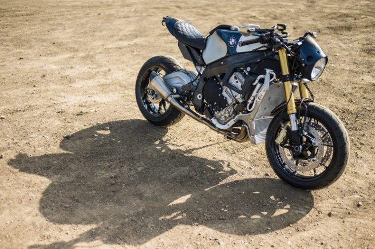 Orlando Bloom Customizes, Rides BMW S 1000 R Motorcycle Motorrad 4CYL film