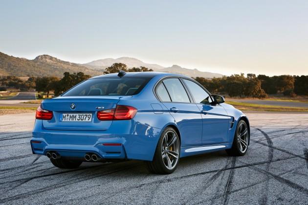 2015 BMW M3 information blue rear end