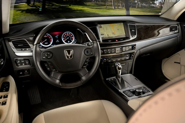 2015 Hyundai Equus overview luxury dashboard console