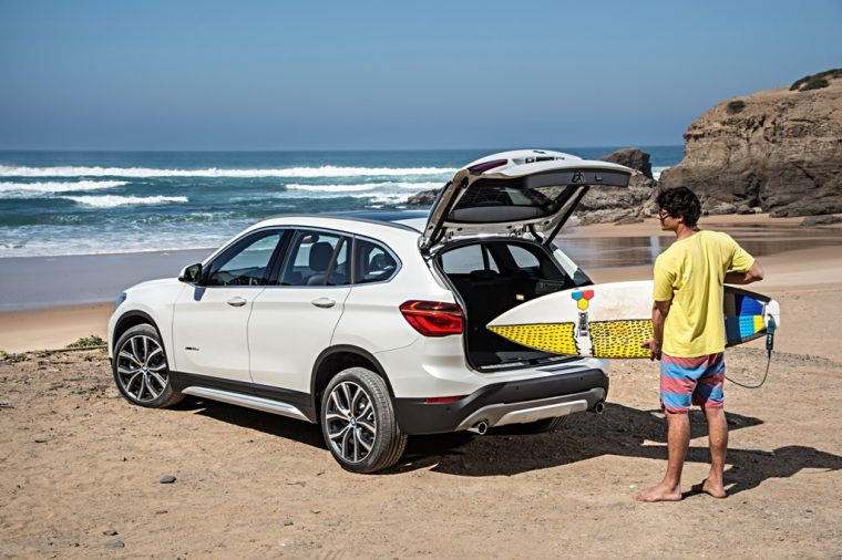 2016 BMW X1 photos man loading luggage