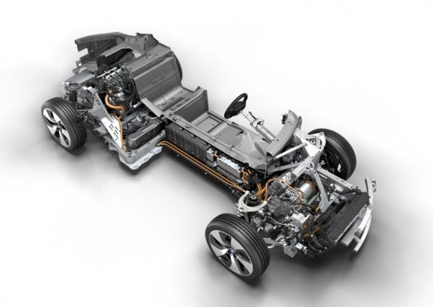 BMW i8 2015 Engine of the Year award (c)