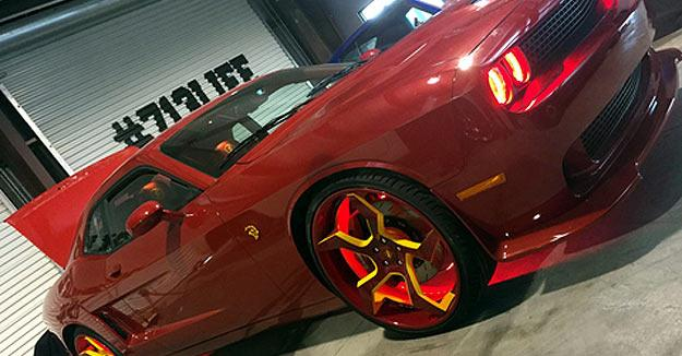 Nba Player Dwight Howard Gives His 2015 Dodge Srt Hellcat A Custom