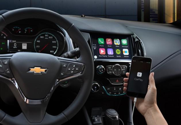 The new Cruze's Apple CarPlay at work