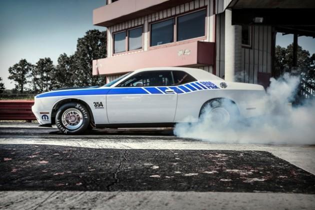2015 Mopar Dodge Challenger Drag Pack burnout