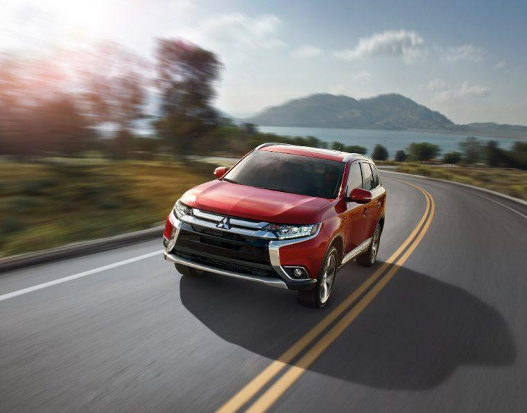 2016 Mitsubishi Outlander driving