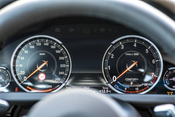 2016 BMW 6 Series gauges