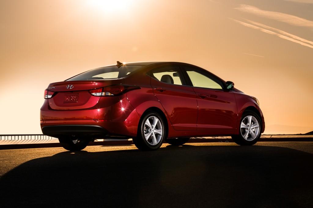 Hyundai Elantra Sedan Overview on 2015 Hyundai Elantra