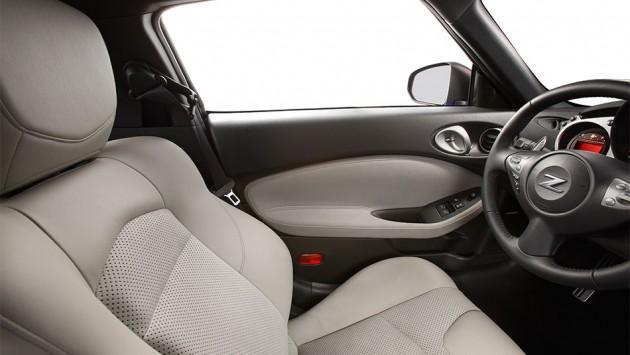 2016 Nissan 370Z drivers seat interior