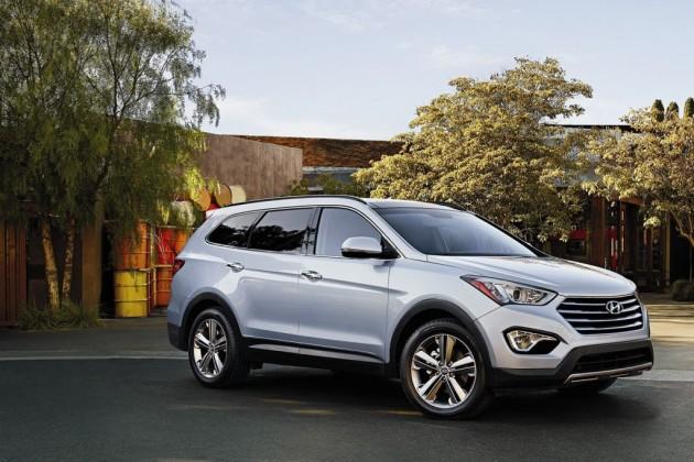2016_Hyundai_Santa_Fe_Overview_exterior