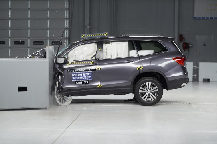 The 2016 Pilot undergoes the small overlap frontal crash test origin