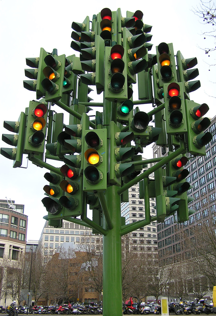 Photos When Was The First Traffic Light Installed The
