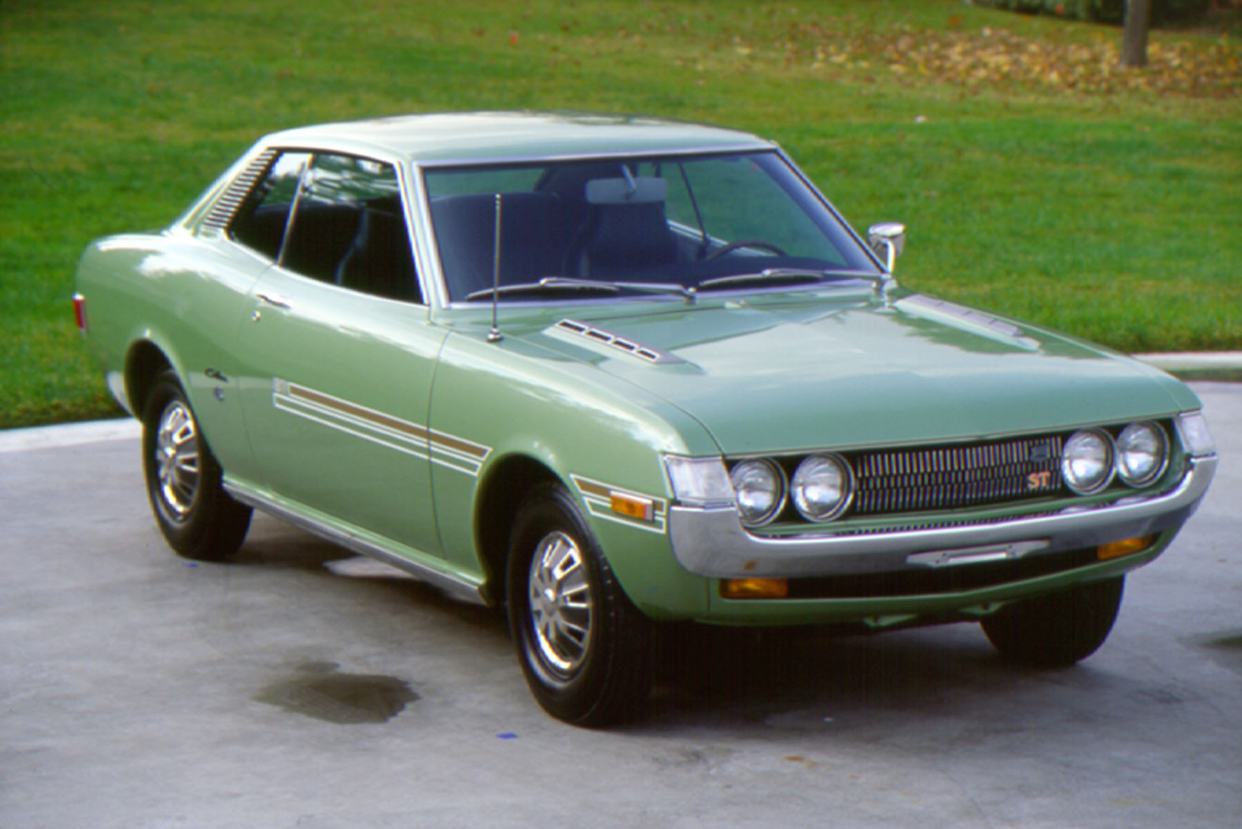 watch 1971 toyota celica st features in jay leno s garage the news wheel. Black Bedroom Furniture Sets. Home Design Ideas