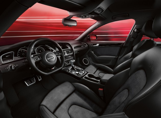 The 2016 Audi A6 interior features three-zone automatic climate control