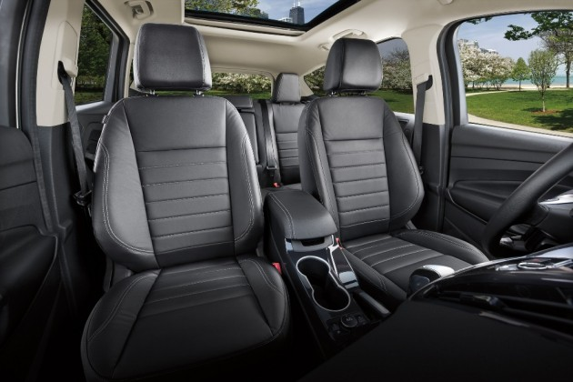 The 2016 Ford Escape comes with a spacious and clean interior