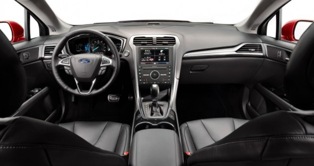 The interior of the 2016 Ford Fusion ifeatures an available MyFord Touch touchscreen