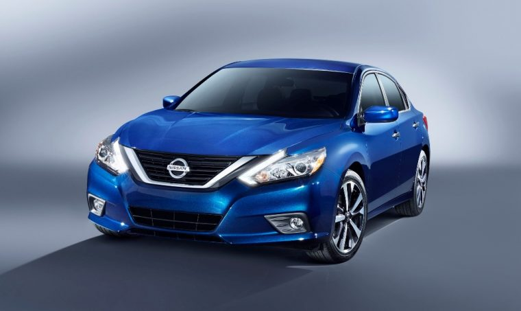 2016 Nissan Altima SR Front