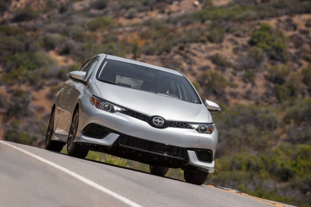 2016 Scion iM overview
