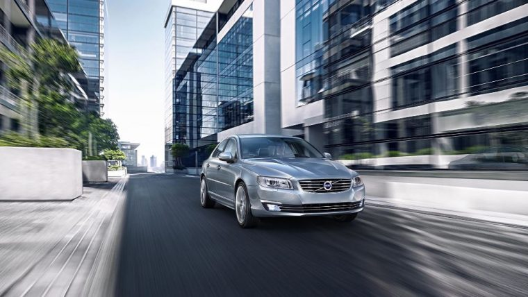 The 2016 Volvo S80 is capable of producing 258 lb-ft of torque