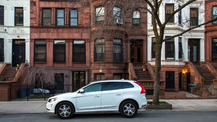 The 2016 Volvo XC60 comes with 18-inch alloy wheels