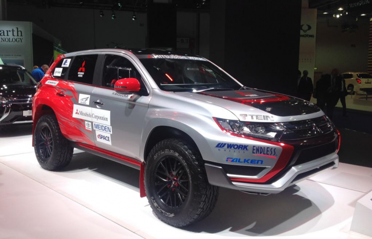 Mitsubishi Outlander PHEV Rally Car
