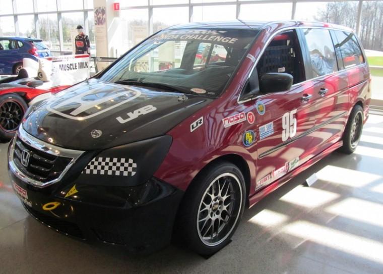 2005 Honda Racing Odyssey van profile view