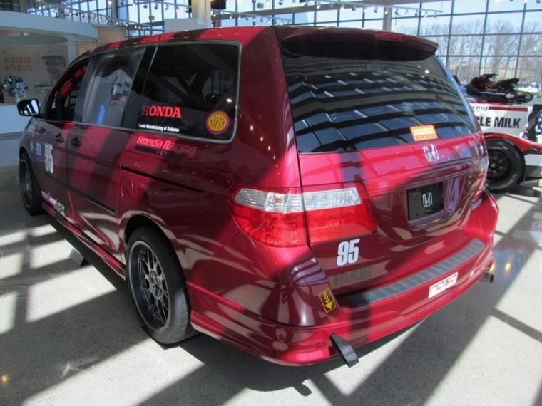 2005 Honda Racing Odyssey van rear end