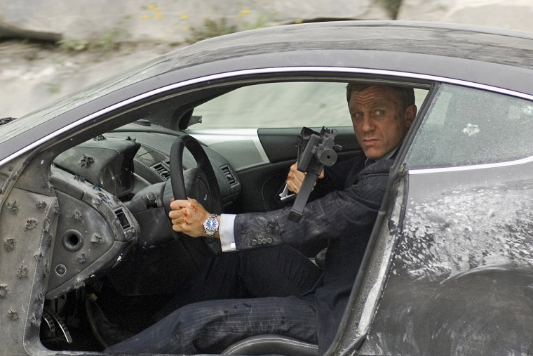 Daniel Craig James Bond driving