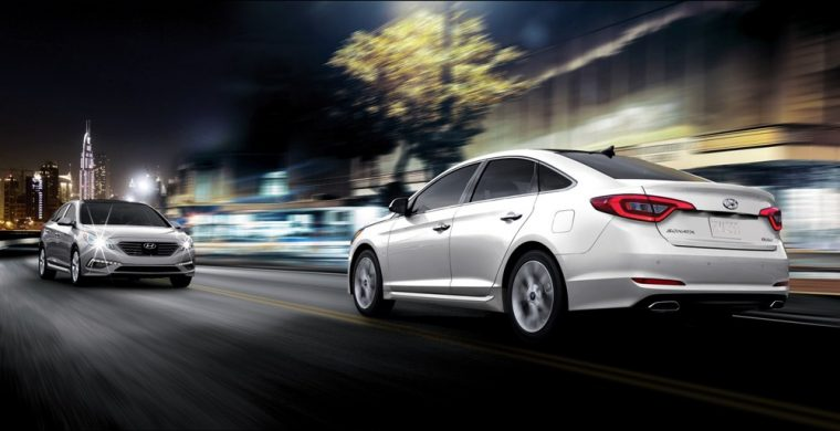 Automatic headlights come standard on the 2016 Hyundai Sonata